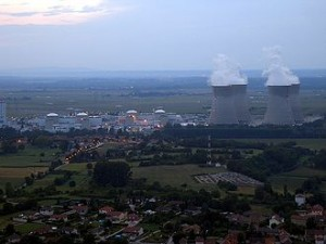 330px-Centrale-nucleaire-Bugey_1_